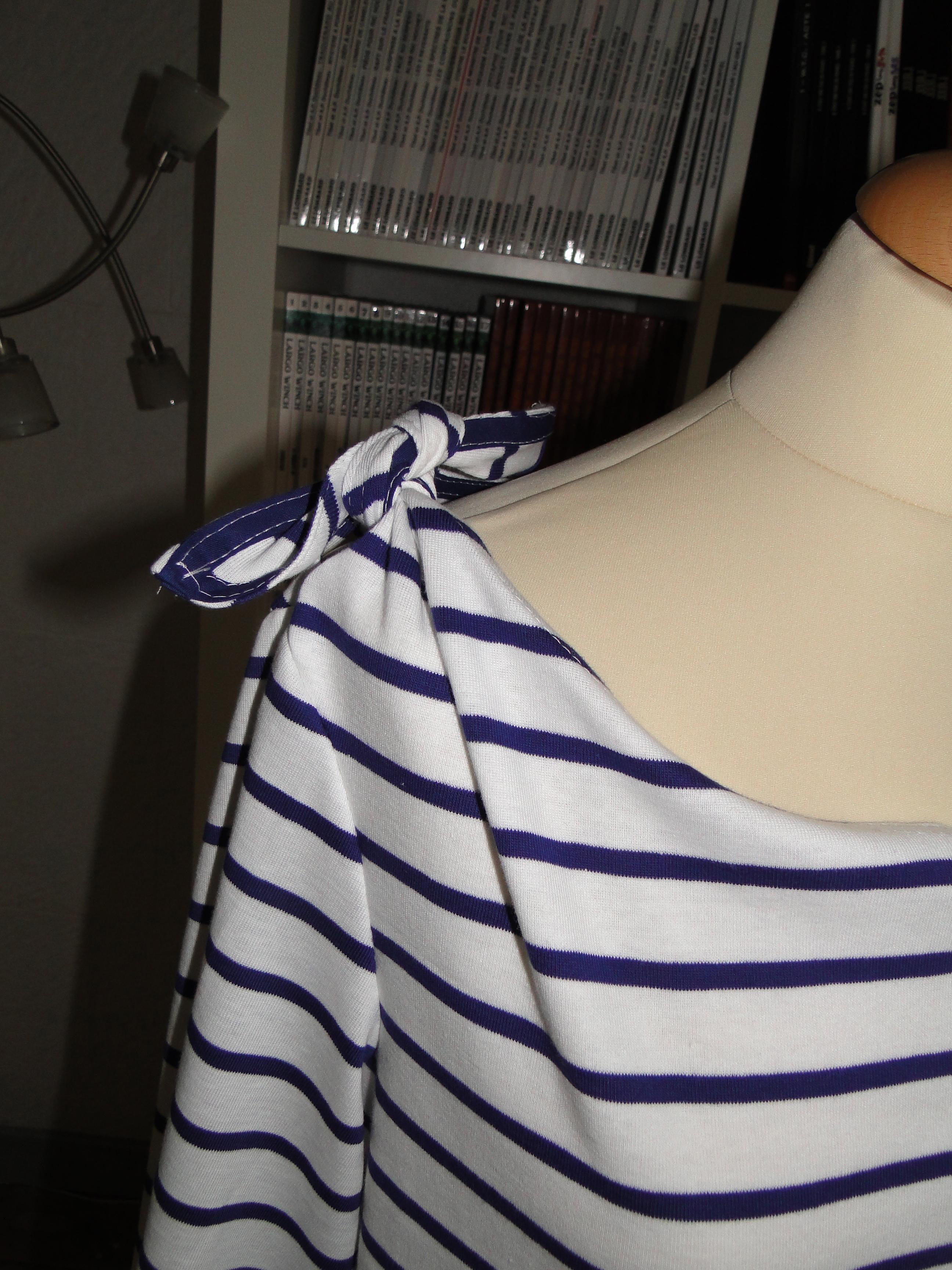 791490aafbf Le modèle original est doublé mais là ce n était pas possible avec ce jersey  marin tout doux